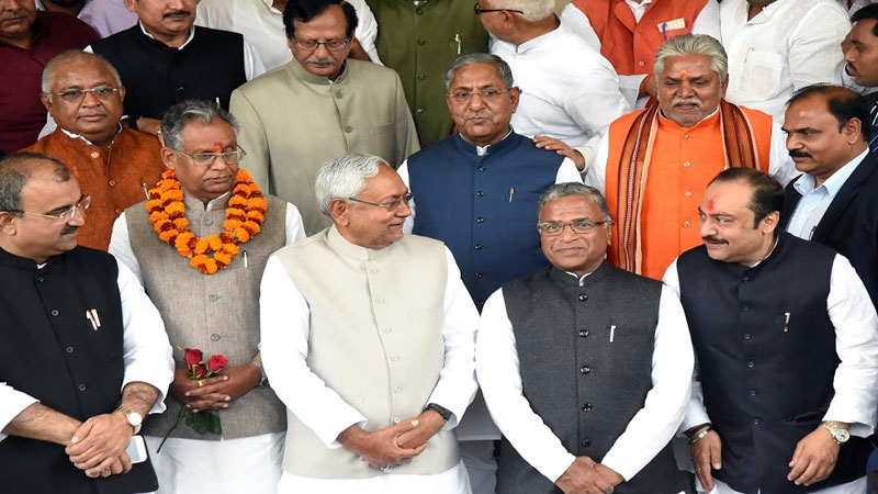 ljp spoiled the prospects of jdu so much in bihar elections that unhappy nitish is hesitant about becoming cm says source