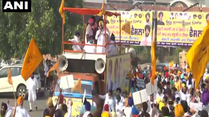 punjab kisan march led by shiromani akali dal president sukhbir singh badal begins from amritsar