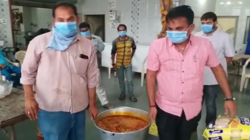 Congress paresh dhanani Relief kitchen Lockdown Coronavirus