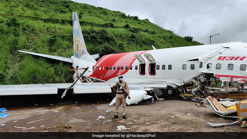 kerala plane crash dead test corona positive injured patients isolation