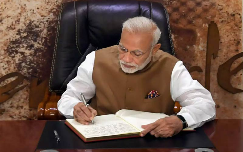 PM Narendra Modi asks ministers to reach office by 9:30 am