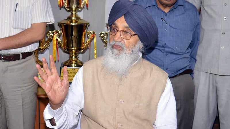 Akali dal parkash singh badal returns padma vibhushan over betrayal of farmers