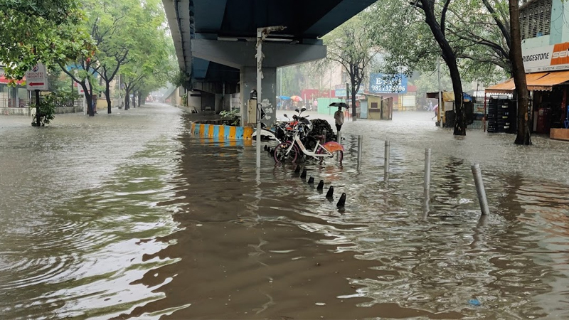 rain in maharashtra 30 people trapped in 4 landslides in raigad
