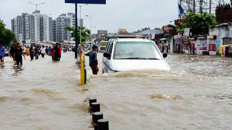Rain in Ahmadabad weather department people