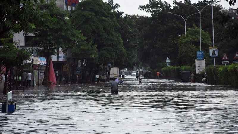 vadodara rain river people alert