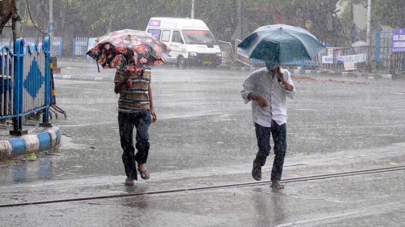 monsoon tracker movement in bay of   bengal heavy rain south west monsoon hit- maharashtra today delhi rain