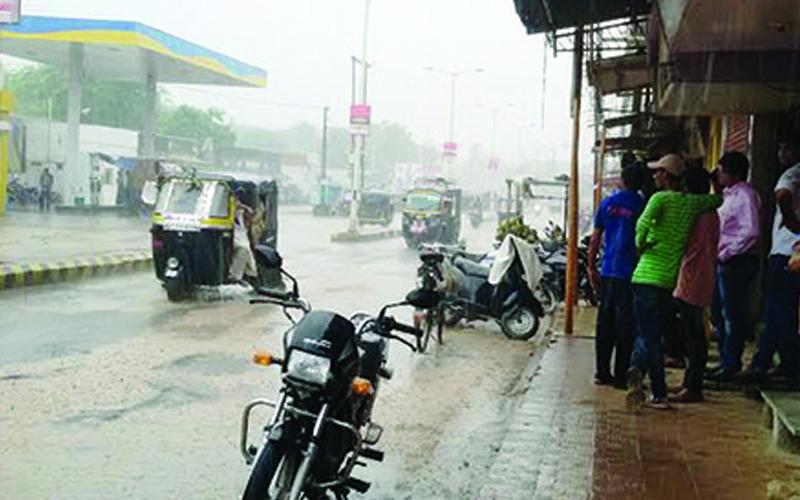 Saurashtra climate change rain fall in Savarkundla