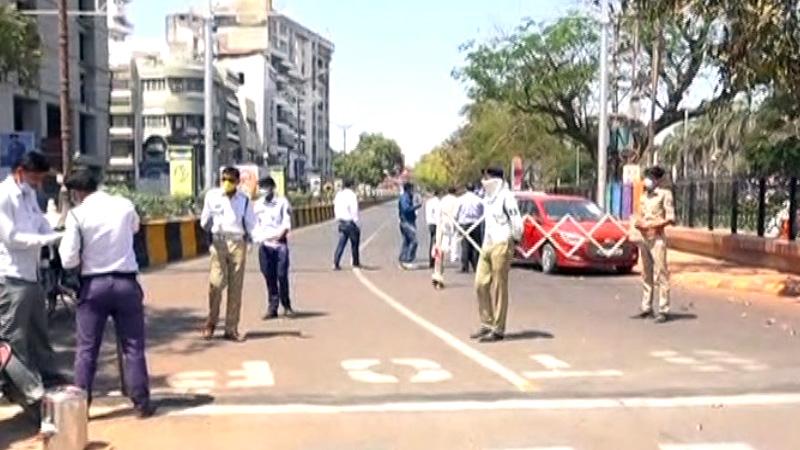coronavirus lockdown rajkot police action people guajrat