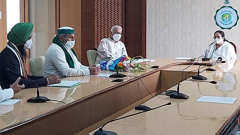 Farmer Leader Rakesh Tikait Meets Mamata Banerjee, Seeks Support For Protest
