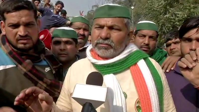 rakesh tikaits car attacked in rajasthans alwar farmers begin dharna in protest