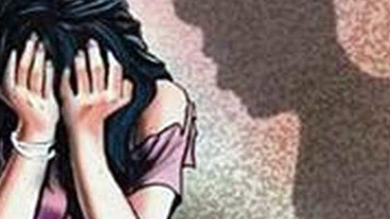 surat glamour daughter gangrape police case