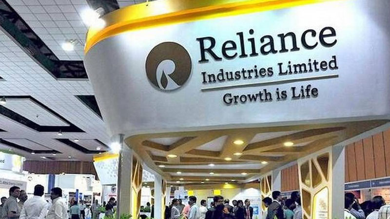 mukesh ambani ril market cap hits 9 5 lakh crore a first for an indian company