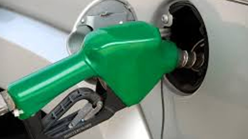 Inflation hit amid recession! The price of petrol is Rs. Crossing 80