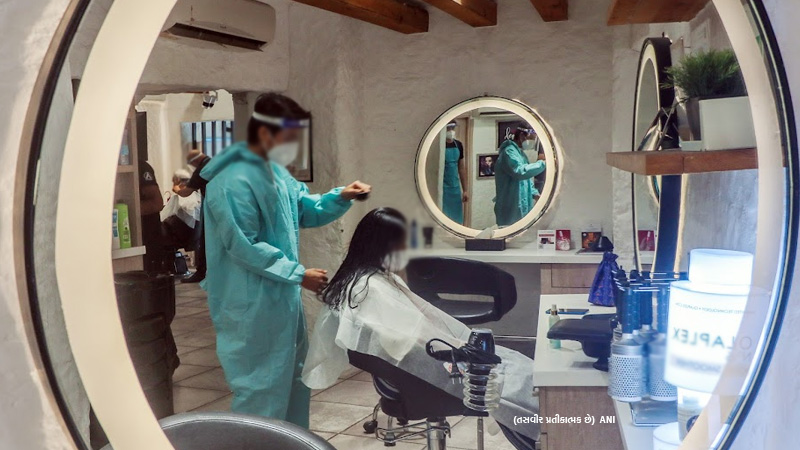 ncdrc grants 2 crore compensation for female model in wrong haircut and treatment by salon