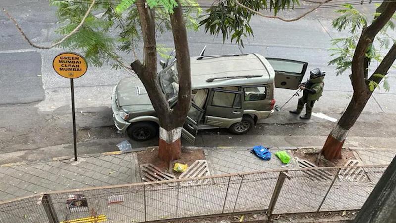 mukesh ambani house explosive case scorpio owner body found
