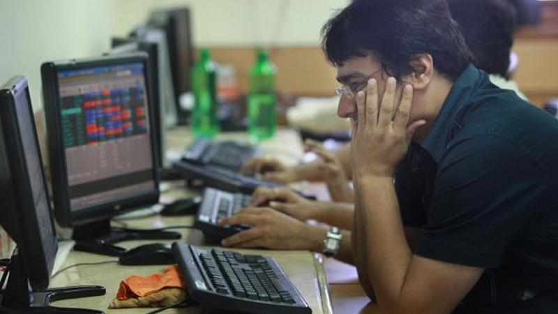 market closing sensex nifty closed 3 years low