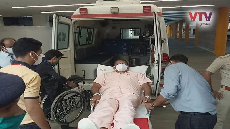 Gujarat RAJYA SABHA ELECTIONS 2020 bjp 4 mla reach in ambulance