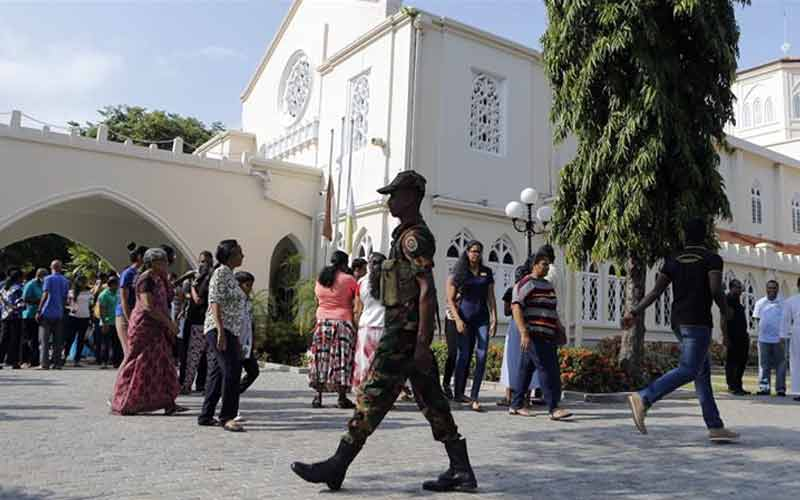 Sri Lanka Reimposes Curfew after Arresting Over 100 People