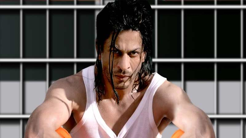 actor shah rukh khan tells his horrifying experience in the jail when he misbehaved with a editor