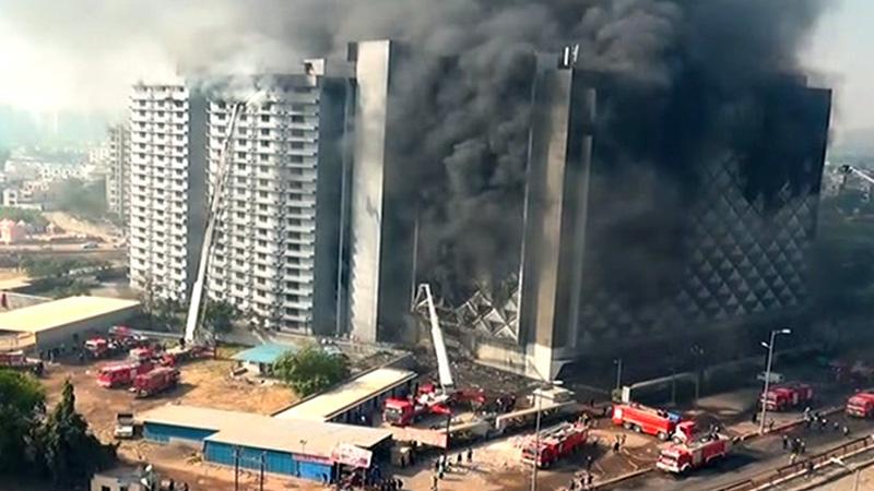 Surat raghuvir market fire again
