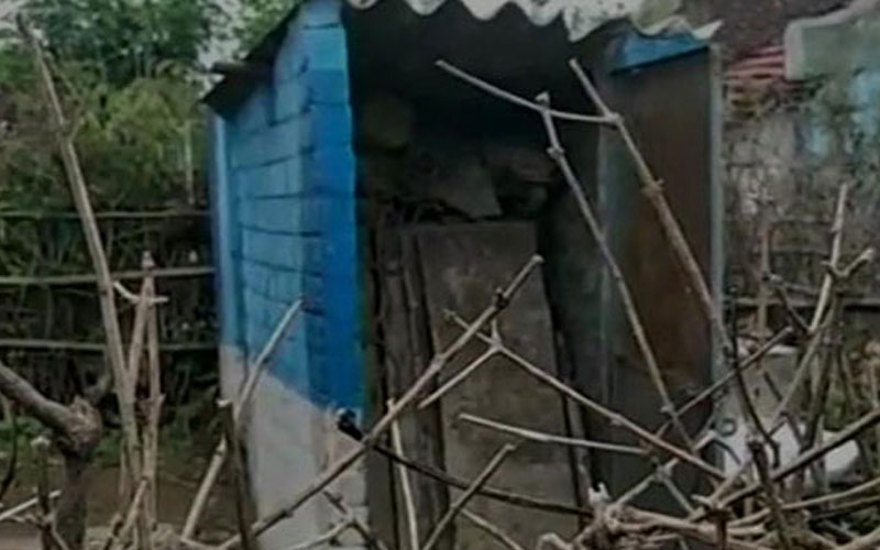 madhya pradesh toilets build under swachh bharat mission in seoni not fit to be used