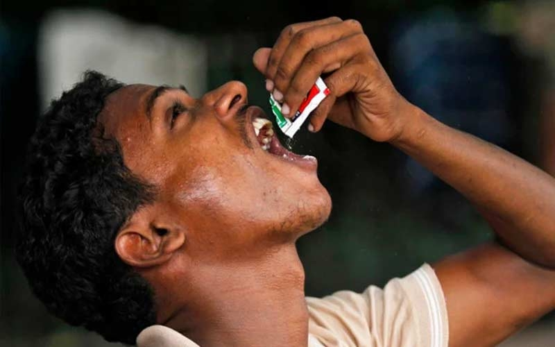are-your-teeth-too-worn-due-to-gutkha-so-these-tips-to-adopt