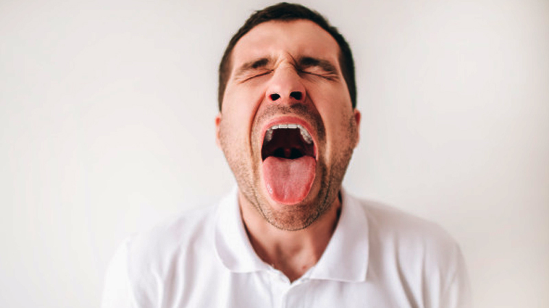 How To Clean Your Tongue Properly