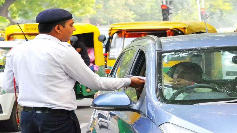 Gujarat RTO charges 8 78 lakhs  traffic fine on one day in Ahmedabad