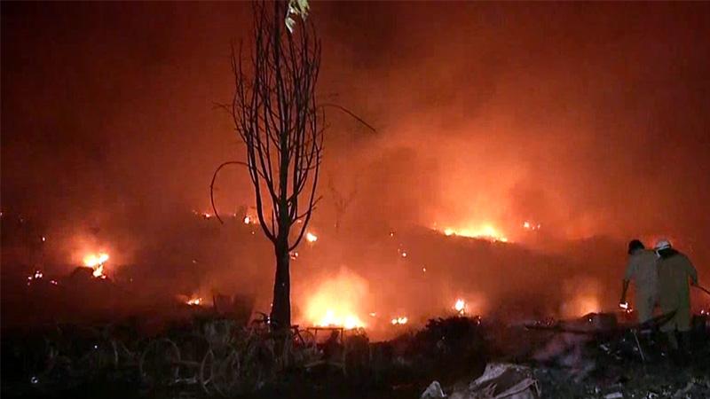 Major fire breaks out at slum in delhi tughlakabad