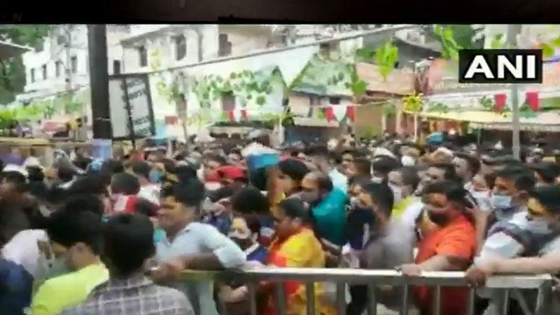 several injured in a stampede like situation at mahakaleshwar temple in ujjain