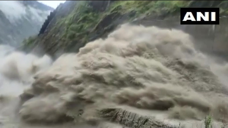 16 dead after cloudburst incidents in jammu and kashmir laddakh himachal pradesh