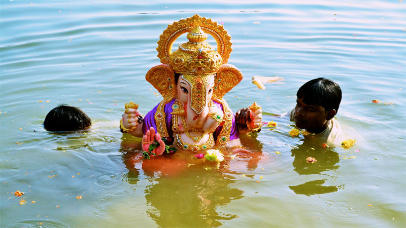 Know the Reason behind Ganesha Visarjan and do pooja like this