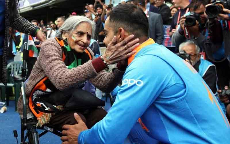 Virat Kohli, Rohit Sharma meet 87-year-old superfan after India reach semi-finals