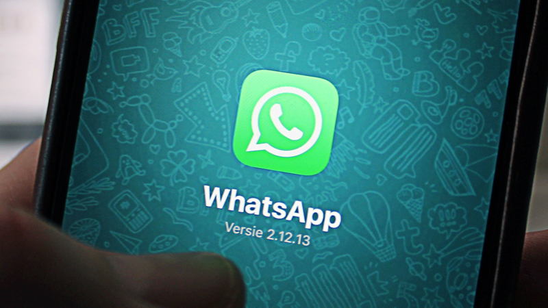 whatsapp new feature will change color bubble in dark mode design and animated stickers
