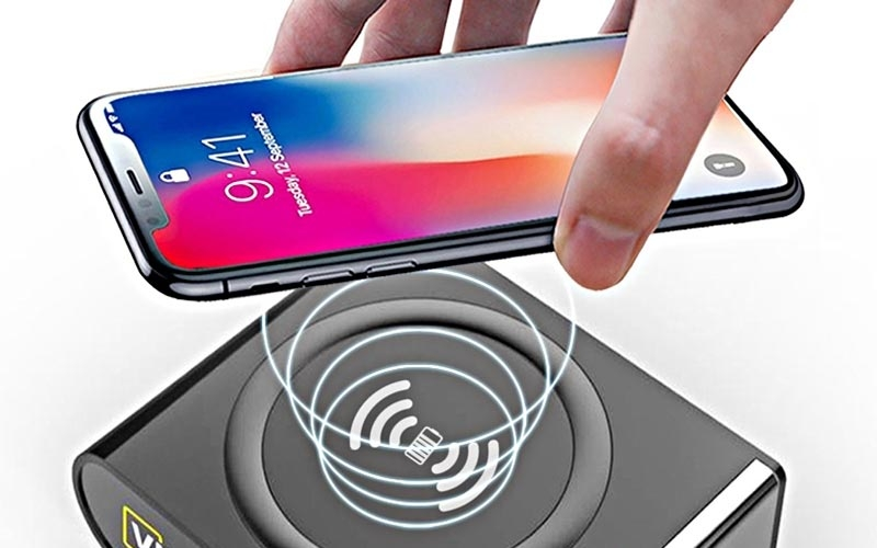 wireless-powerbank-has-been-launched-charge-smartphones-without-cable