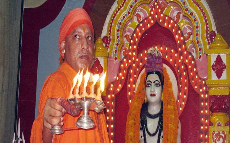 yogi adityanath is mahant of gorakhnath temple