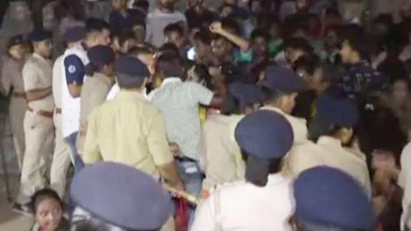 ખંભીસર વરઘોડા વિવાદ મામલે ભજનમંડળી કરનાર 16 મહિલાઓ સહિત 150ના ટોળા સામે ફરિયાદ