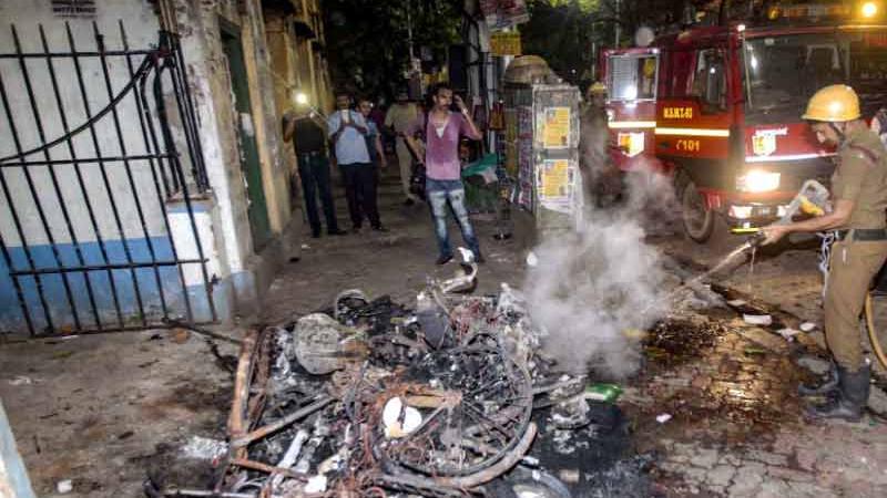 અમિત શાહના રોડ શોમાં BJP કાર્યકર્તાઓએ કરી આગચંપીઃ TMC