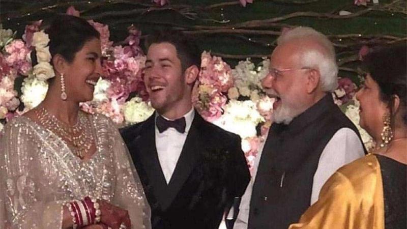 પ્રિયંકા- નિકને આશીર્વાદ આપવા પહોંચ્યા હતા PM મોદી  જુઓ PHOTOS