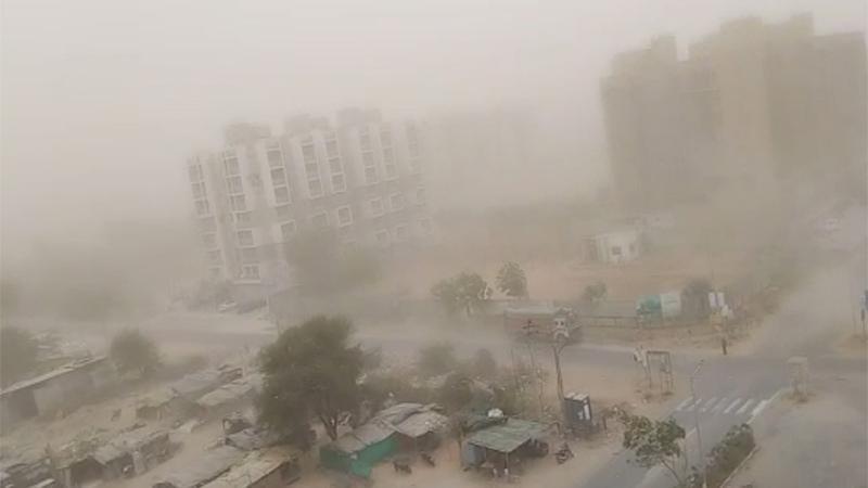 રાજ્યના વાતાવરણમાં પલટોઃ અમદાવાદ સહીત બનાસકાંઠા-અમરેલીના ગામોમાં ધોધમાર વરસાદ